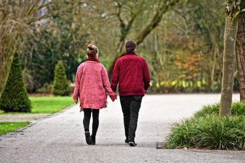 beneficiile întâlnirii unei femei înalte